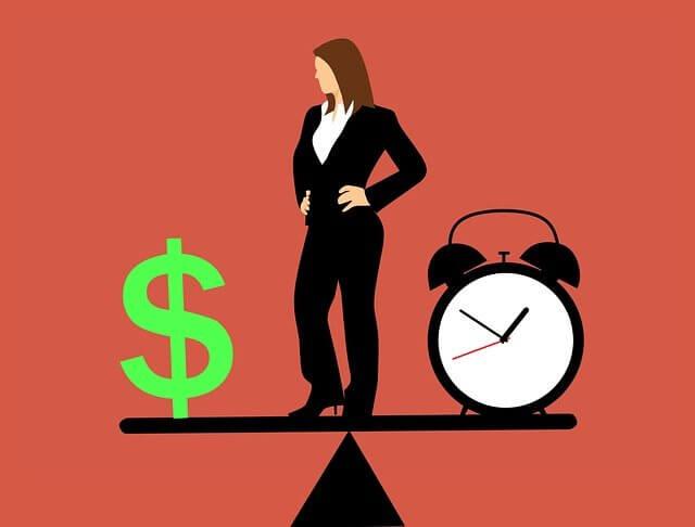 時間とお金を天秤にかける女性